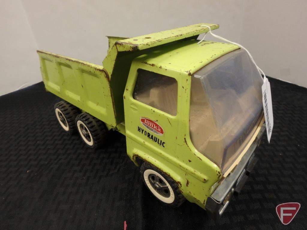 Tonka Hydraulic dump truck