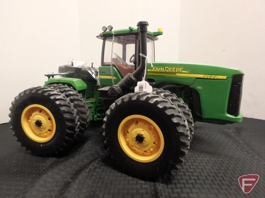John Deere 9620 Ertl RC four wheel drive tractor