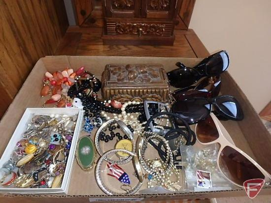 Mens and ladies jewelry, mostly earrings, mens watches are Watchit, Cararriville, Pulsar, sunglasses