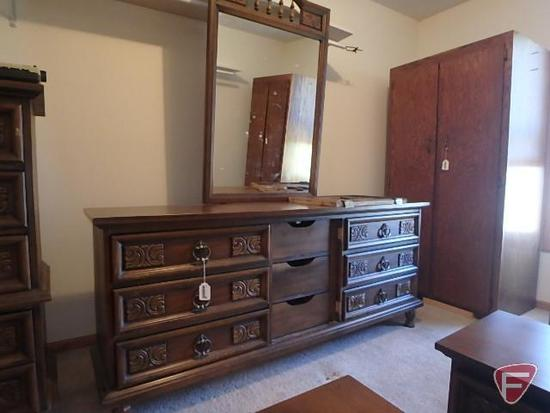 Dixie dresser, 31 in high without mirror x 72 in long, 19 in deep