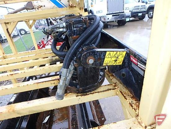 Dingo post hole auger power head model: 22400 sn: 210000577