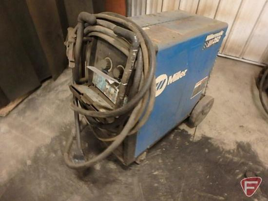 Miller Millermatic 252 MIG welder, serial MD141151N, 200