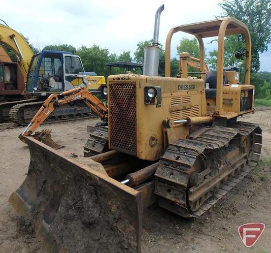 Dresser Construction & Mining Equipment TD8E bulldozer, 4101 hrs showing, PIN 4420015U010733