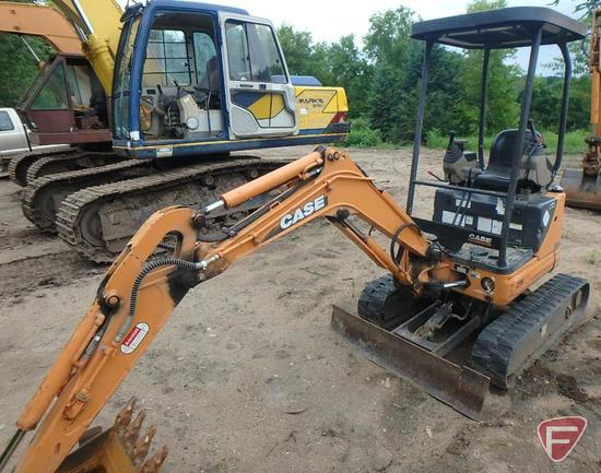 """Case ZTS CX14 mini excavator with 17"""" Case bucket with teeth, 1046 hrs showing, PIN DFE0001074"""