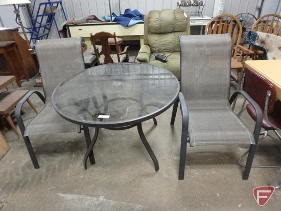 40in round patio table with (2) matching chairs
