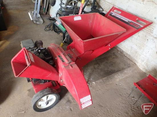 MTD 5 HP Chipper/Shredder with Briggs and Stratton engine
