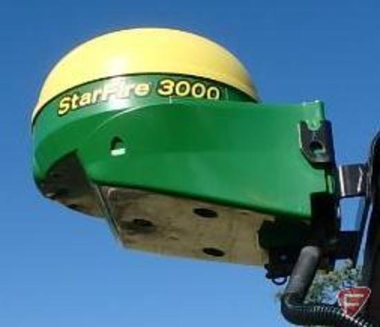 2013 John Deere StarFire 3000 GPS recieving globe with John Deere GS3 2630 display