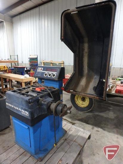 Hofmann 1200 wheel balancer, 125 Lb. load capacity, 110V, 1HP, sn 85092024023