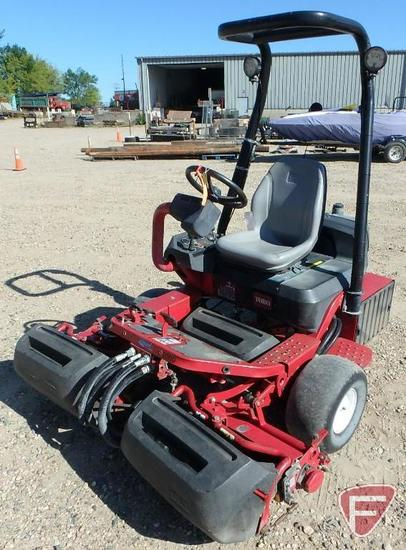 Toro Greensmaster 3250D 3WD diesel triplex greens mower with ROPS and headlights, 3605 hrs