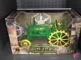 Ertl replica John Deere BW Tractor with Umbrella, 200th anniversary, 1:16, No15645A