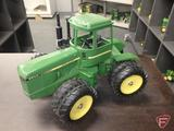 Ertl replica John Deere 8650 4wd tractor, Collector Series July 1982