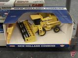 Ertl replica New Holland Combine, 1:32, in box