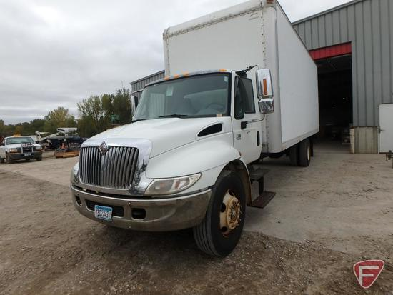 2002 International 4300 Box Truck