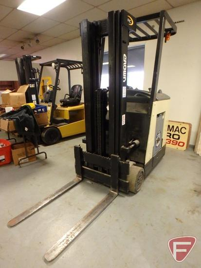Crown 3000 Series 36v electric standing forklift, 11317hrs showing, 83/188 mast, full free lift