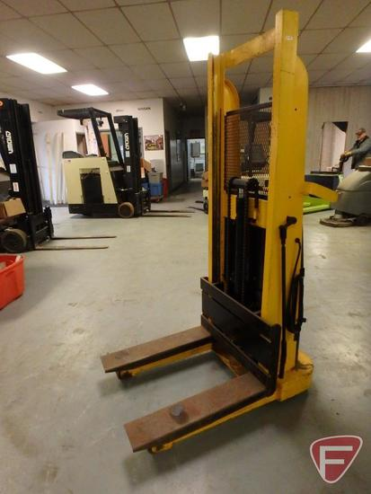 "Big Joe 1018-R5 manual walk behind forklift, electric lift, 60"" lift"