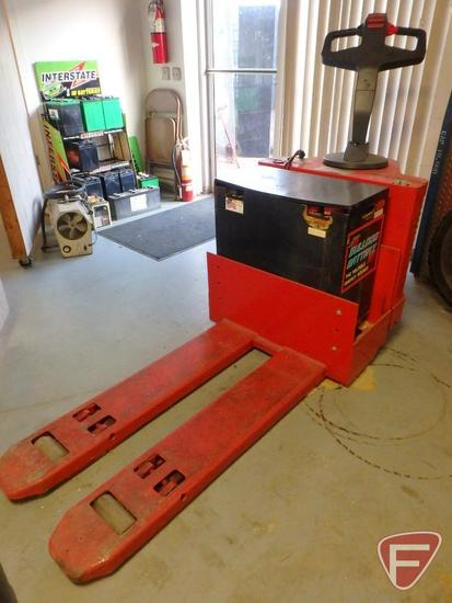 Raymond 24v electric pallet jack, hrs unreadable