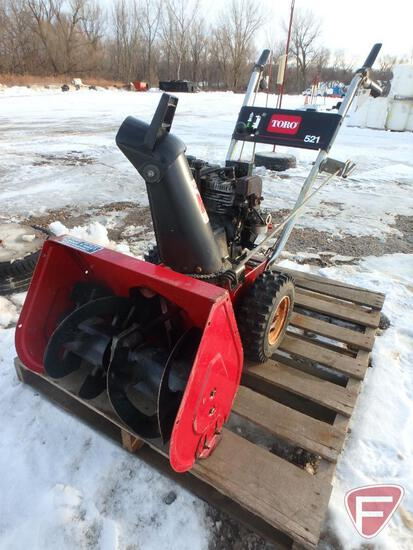 "21"" Toro 521 walk behind snowblower, sn 0005464, model 38052"
