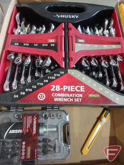 Husky 28pc SAE and metric combination ratchet set and Husky ratchet driver