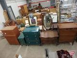 Vintage dresser with mirror on wheels 37