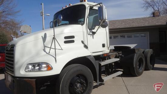 2007 Mack CXN613 Tandem Axle Semi Truck