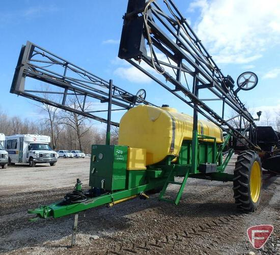1000 Gallon poly tank pull behind sprayer with 90' boom, Raven controls