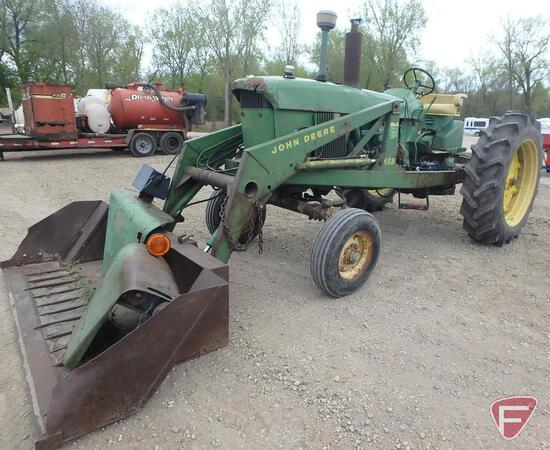 John Deere 4010 gas tractor with 46A John Deere hydraulic loader, with fenders