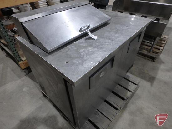 True 2 door refrigerator, model TSSU-48-8, refrigerant R134A