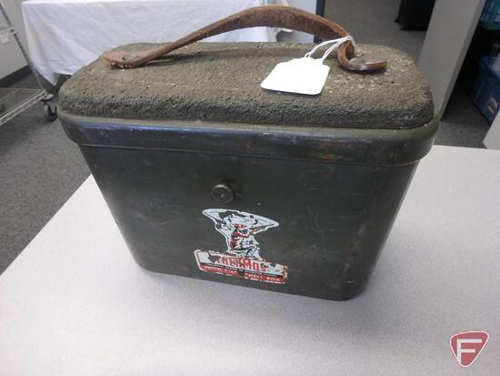 Coleman swivel seat shell box