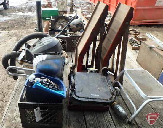 Ridgid shop vacuum, metal car ramps, mechanics stools, dust pan, trouble light, milk crate