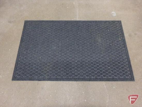 (3) outdoor mats
