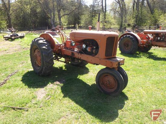 Allis Chalmers W-D tractor, starts and runs with crank, tire chains 13.6 x 28 rear tires