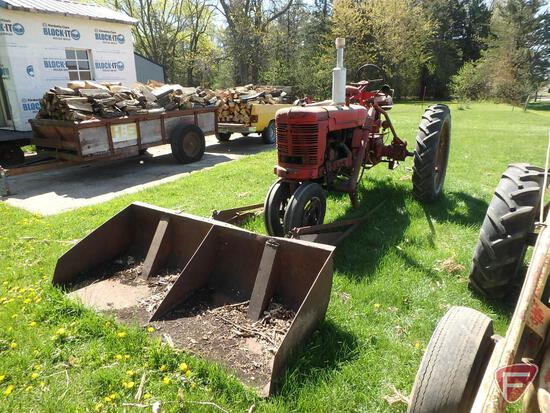 H Farmall tractor, serial nbr 165835, 10-38 rear tires, not running, no battery, engine not stuck