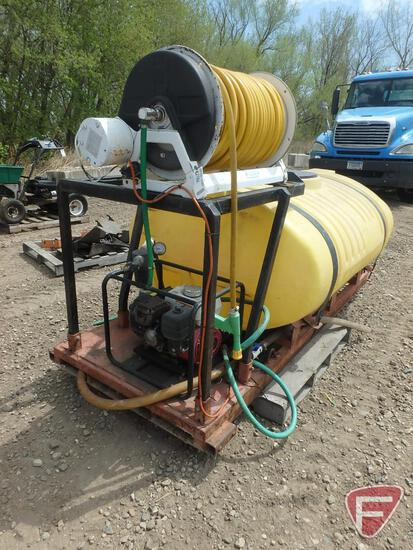 Skid mount sprayer: 300 gallon poly tank, Pacer pump with Honda gas engine