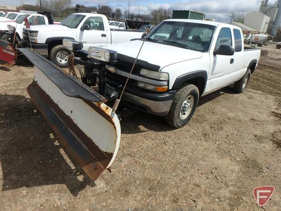 "2001 Chevrolet Silverado Pickup Truck with 8' 6"" Western Snow Plow"