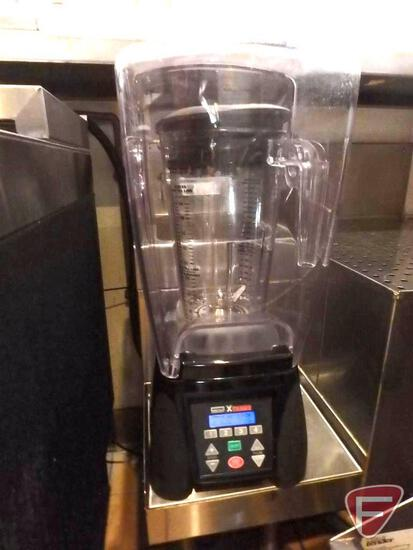 Waring Commercial Xtreme 64 oz. heavy duty commercial blender with flip up splash/safety guard