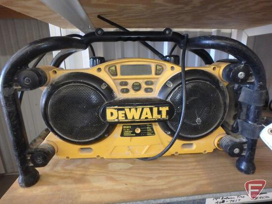 DeWalt DC011 worksite radio/charger