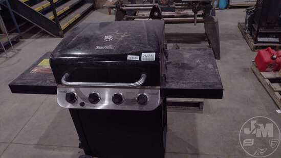 CHARBROIL PERFORMANCE GAS GRILL, 4 BURNERS