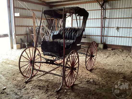 HORSE DRAWN BUGGY, HITCH