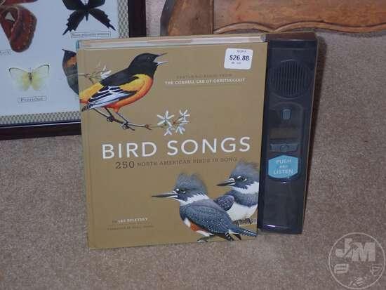 (2) BIRD TABLE LAMPS, BIRD & BUTTERFLY DECOR, (3) BIRD