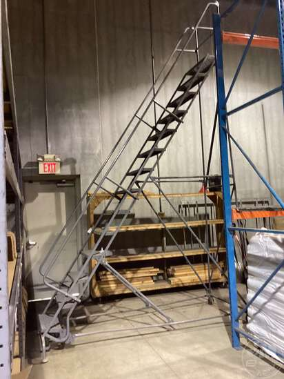 TRI- ARC 14 STEP WAREHOUSE ROLLING STAIRCASE SN: 110494