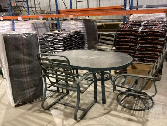 (4) CHAIRS AND TABLE PATIO SET, INCLUDES CUSHIONS