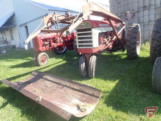 1958 FARMALL 460 TRACTOR, GAS ENGINE, NARROW FRONT, 2 HYDRAULIC REMOTES