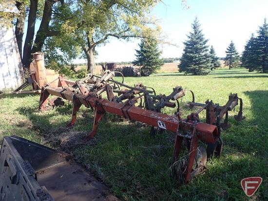 INTERNATIONAL 4 ROW ROW CROP CULTIVATOR, WITH IH FAST HITCH HOOK UP