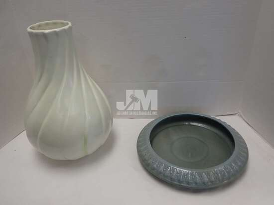 """RED WING VASE 13""""H AND CENTERPIECE BOWL/TRAY. 2PCS"""