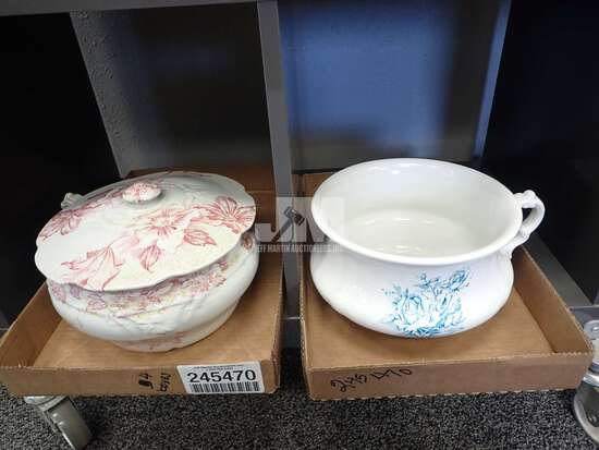 (4) CHAMBER POTS, ONE WITH COVER. 4PCS