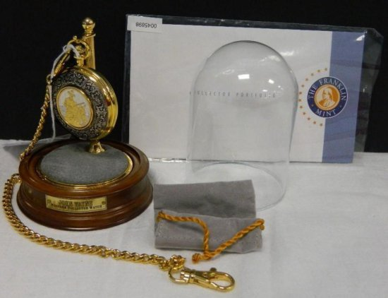 Franklin Mint John Wayne Western Collector Watch pocket watch with covered stand and cloth pouch