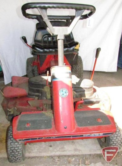 Snapper SR1642 riding lawn mower with a 42