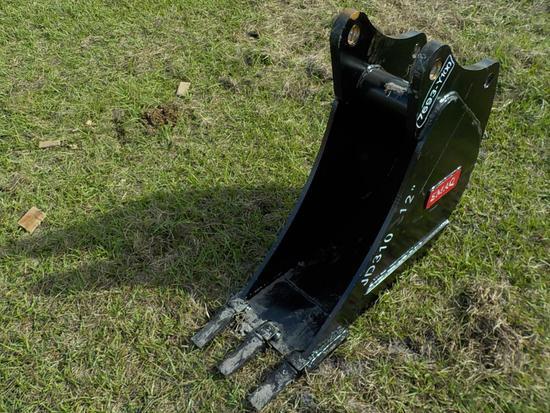 "Teran  Bucket to suit John Deere JD310J/K 12"" (0.09 M³) - 3HD Tips"