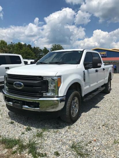 2017 Ford F350XL Pickup Truck, 4WD, Gas, Crew Cab c/w A/C (75,851 Miles)