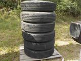 10R 22.5 Tires on Wheels (6 of)